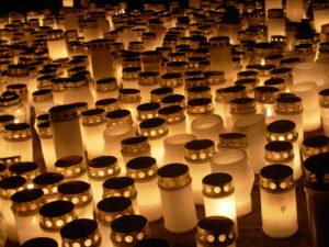 Ekoteko - kynttiläjätteen keräystä @ Teiskon kirkko